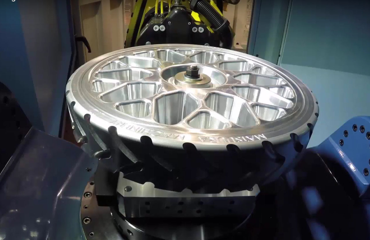 PowerMILL 於 Matsuura 五軸輪框加工
