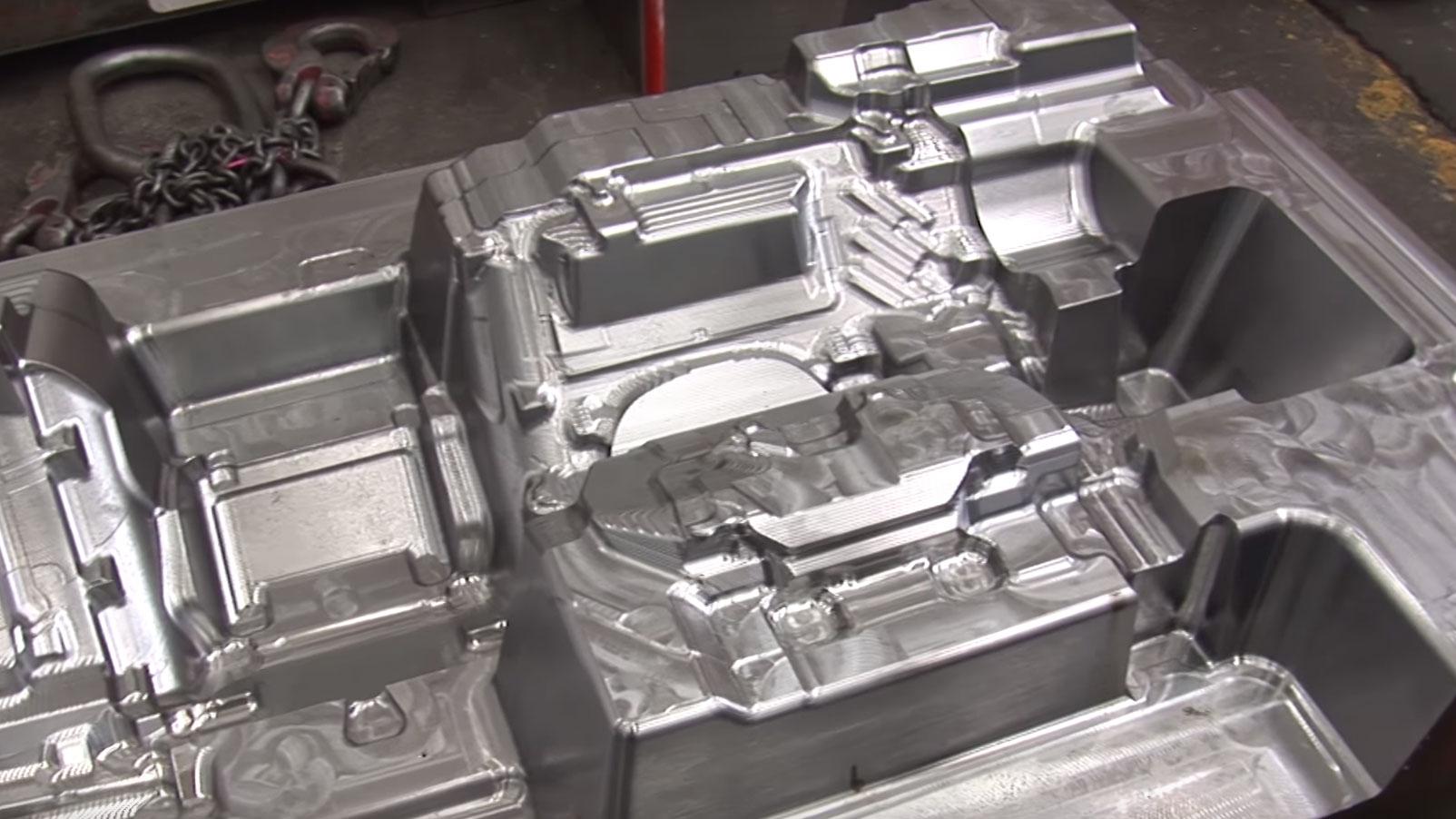 歐洲最大模具製造商 Simoldes 使用 PowerMILL 製造電極和大型模具
